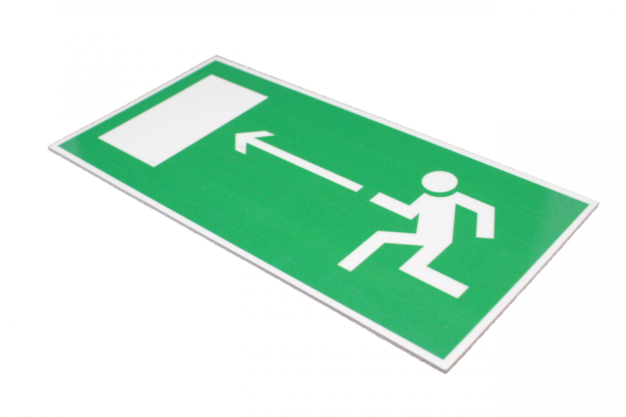 Эвакуационный знак Е 04 Направление к эвакуационному выходу налево
