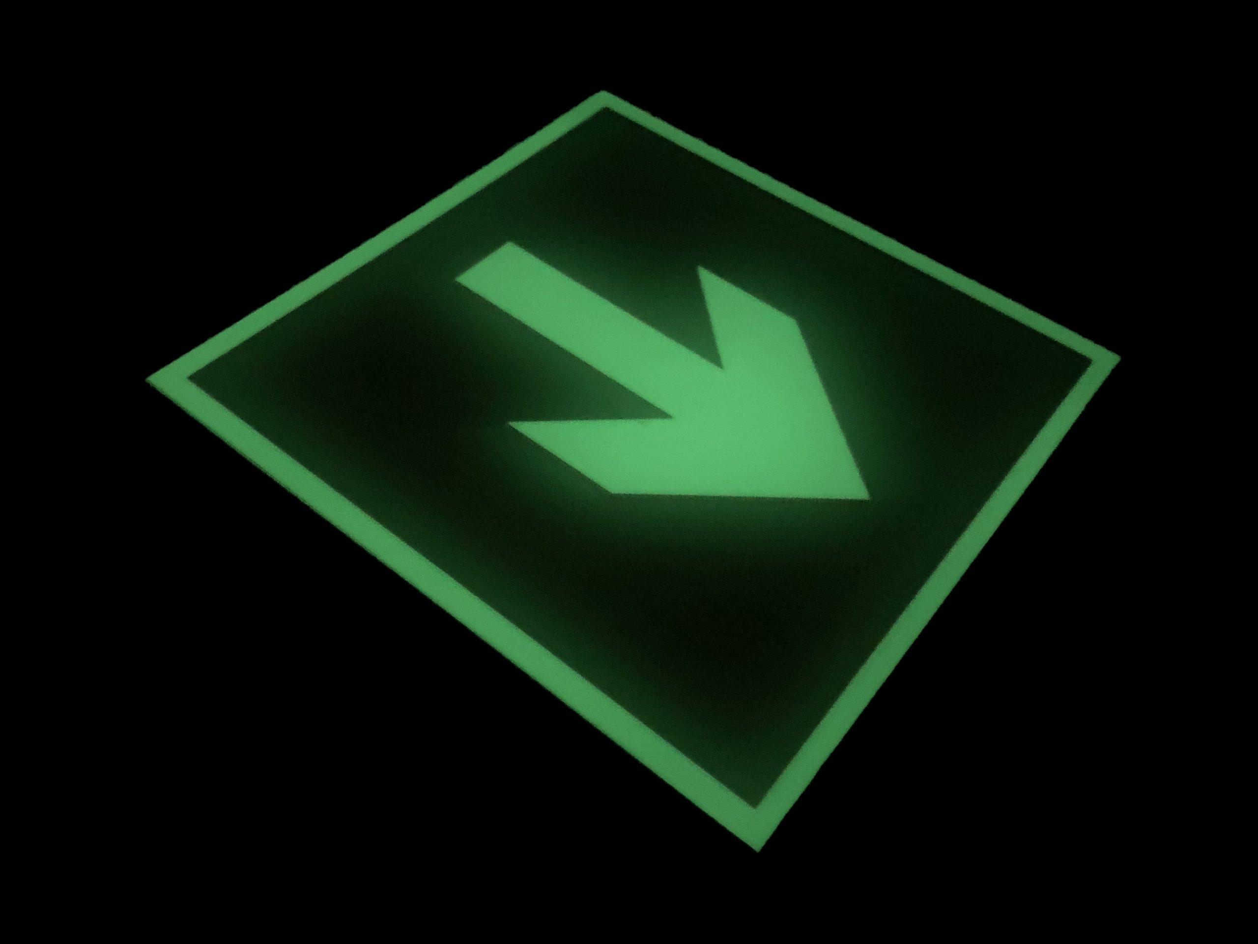 Фотолюминесцентный пожарный знак Направляющая стрелка