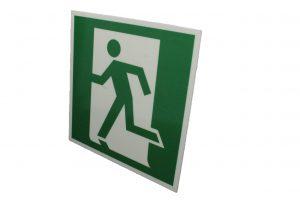 Эвакуационный знак пожарной безопасности выход здесь левосторонний