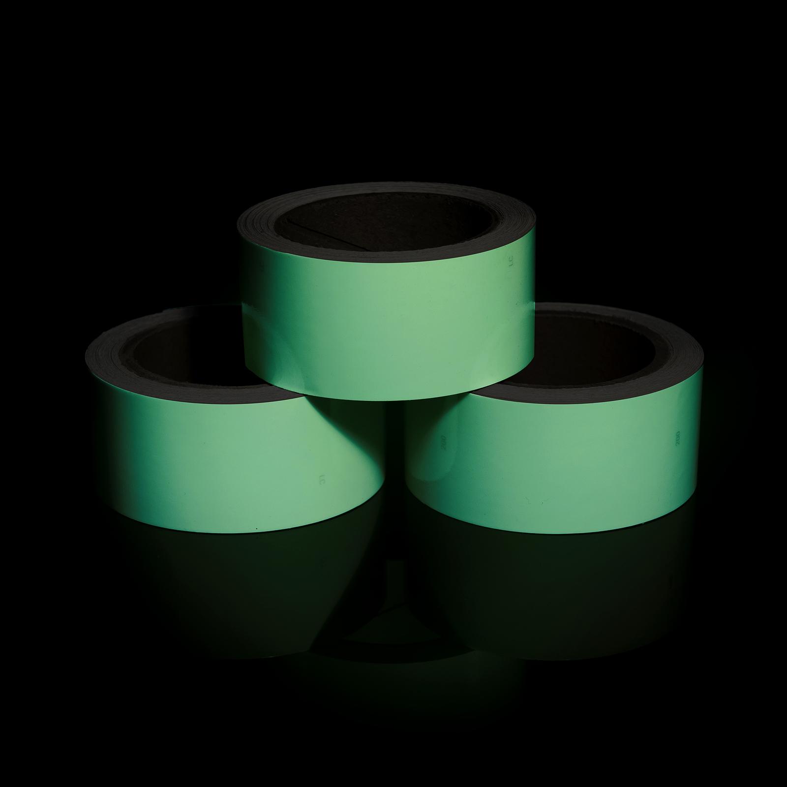 Фотолюминесцентная лента ФЭС Без нанесения в рулоне в темноте