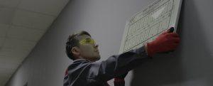 Монтаж фотолюминесцентных эвакуационных систем